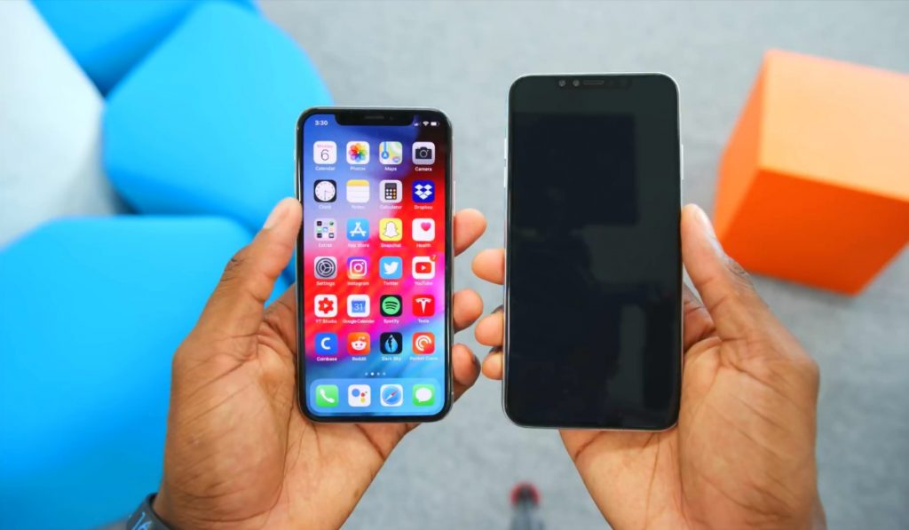iPhone X 2017 compared to the iPhone X Plus 2018 image by MKBHD